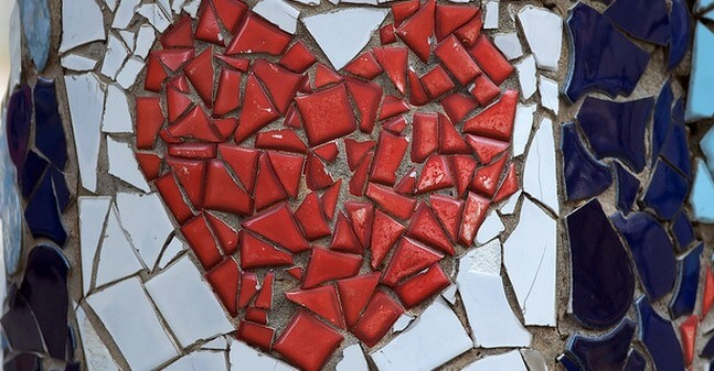 Broken heart in mosaique